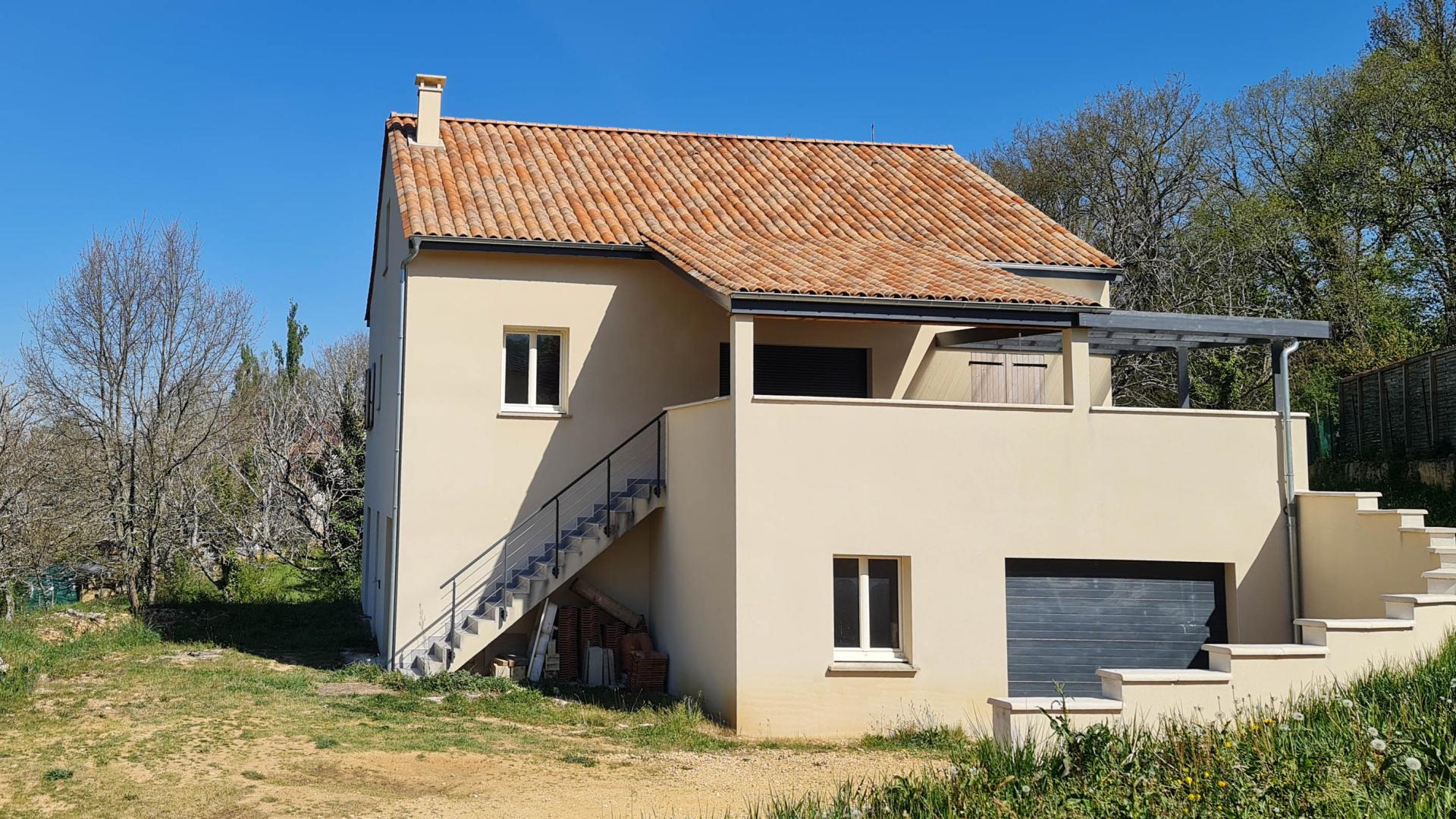 Immobilier Périgord. Maison neuve avec apt indépendant