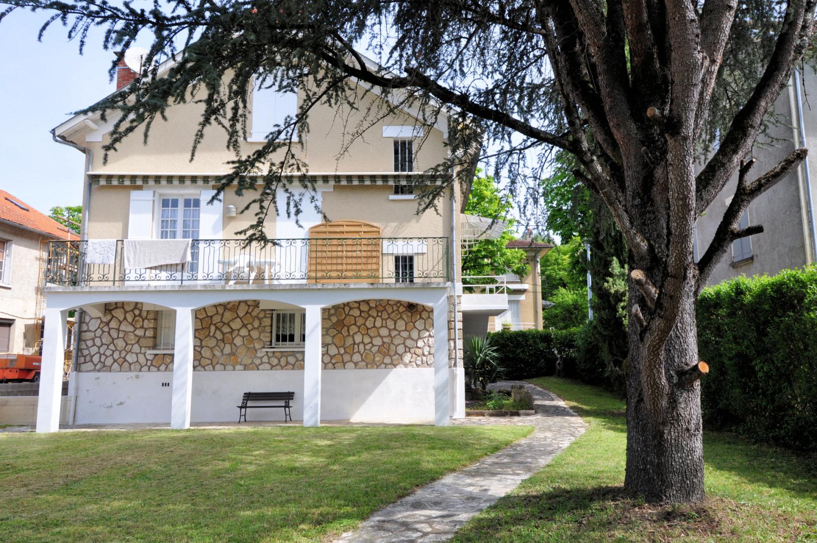 FIGEAC maison 120 m² avec jardin et garage