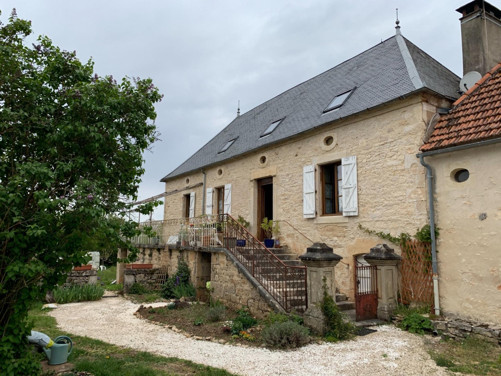 Maison de maître de 1850, secteur Lacapelle-Marival