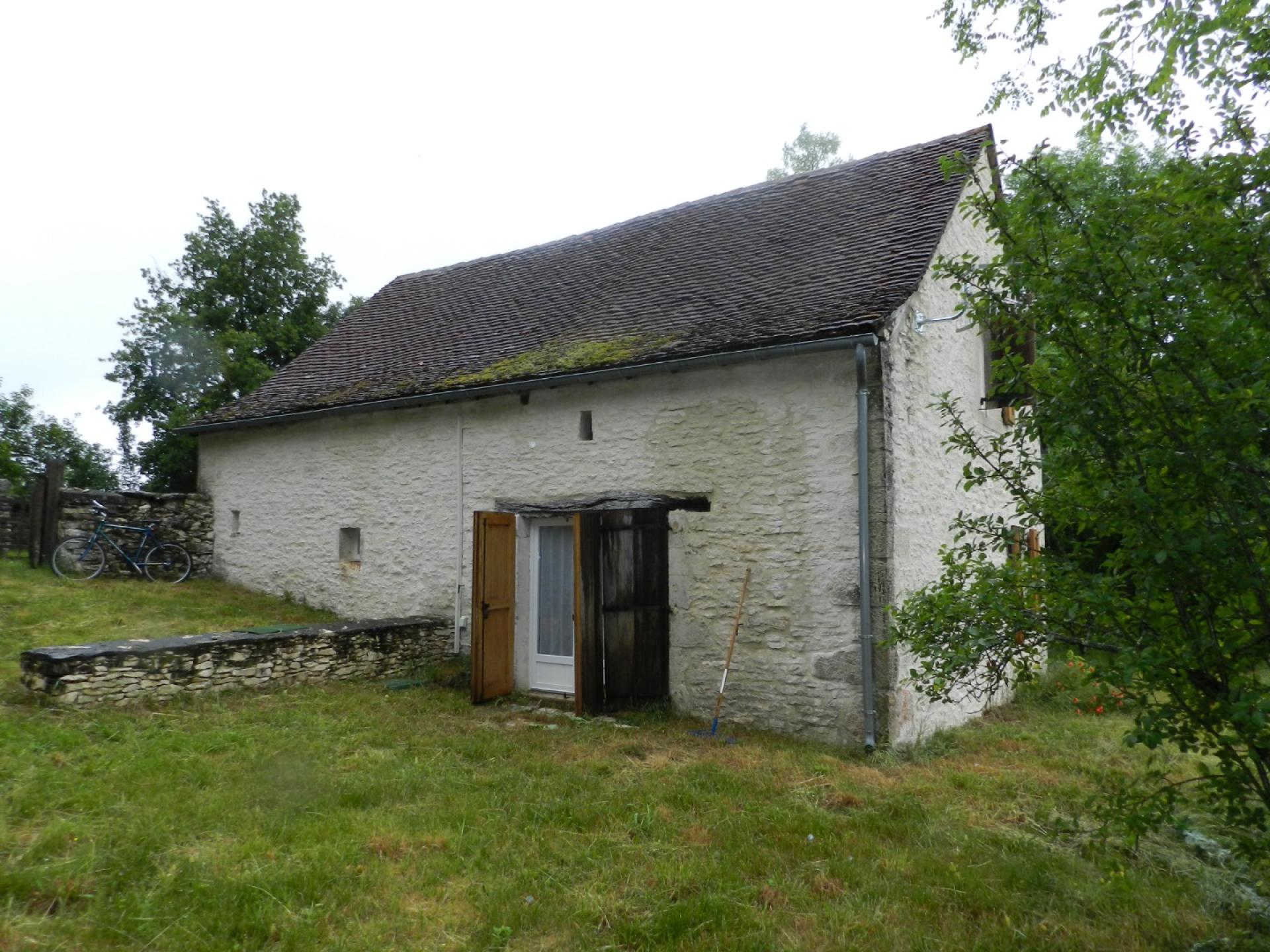 Grange restaurée à louer, 2 chambres, proche gramat