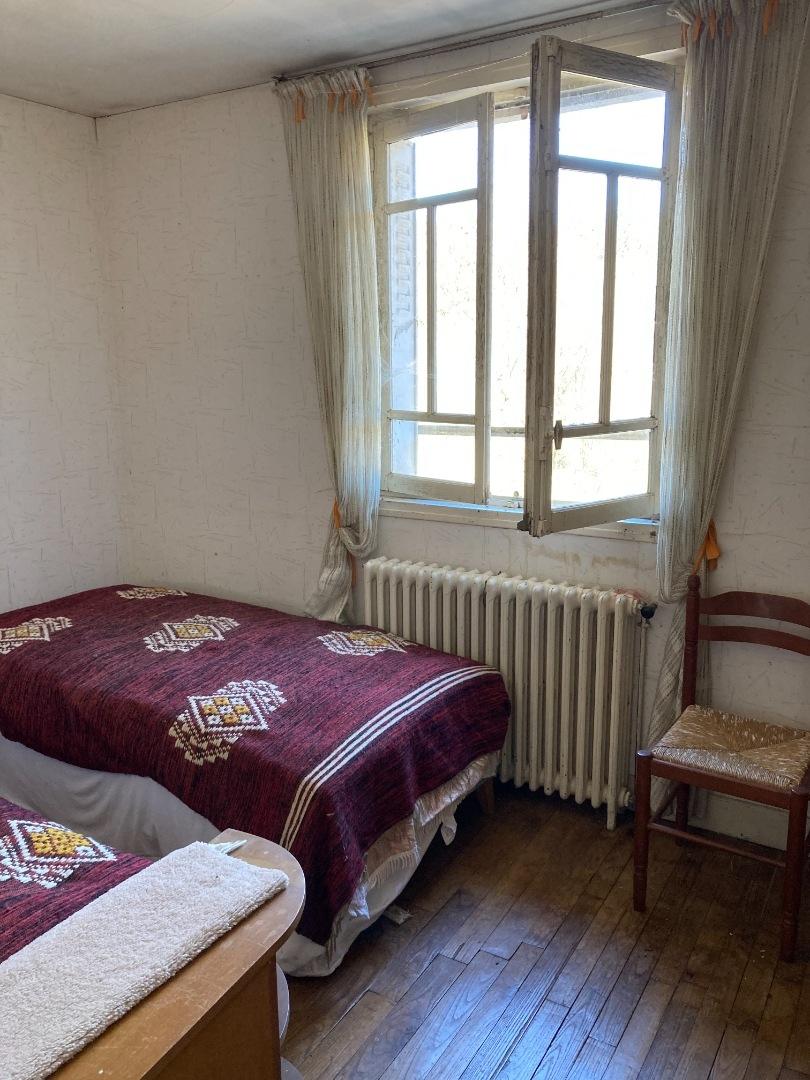 Nedde - Maison en pierre d'habitation à petit prix.