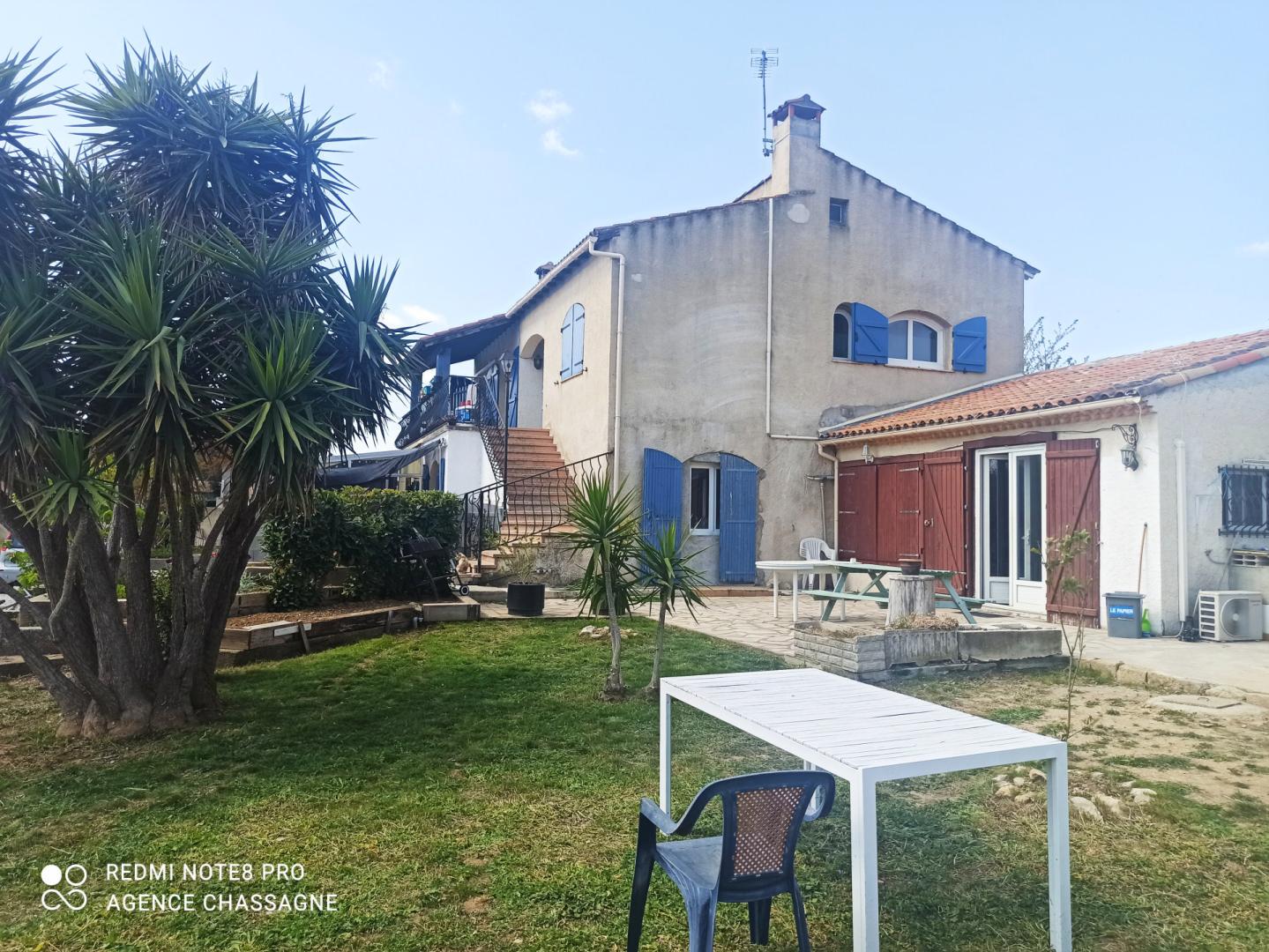 Baillargues- Villa de famille divisée en 3 logements