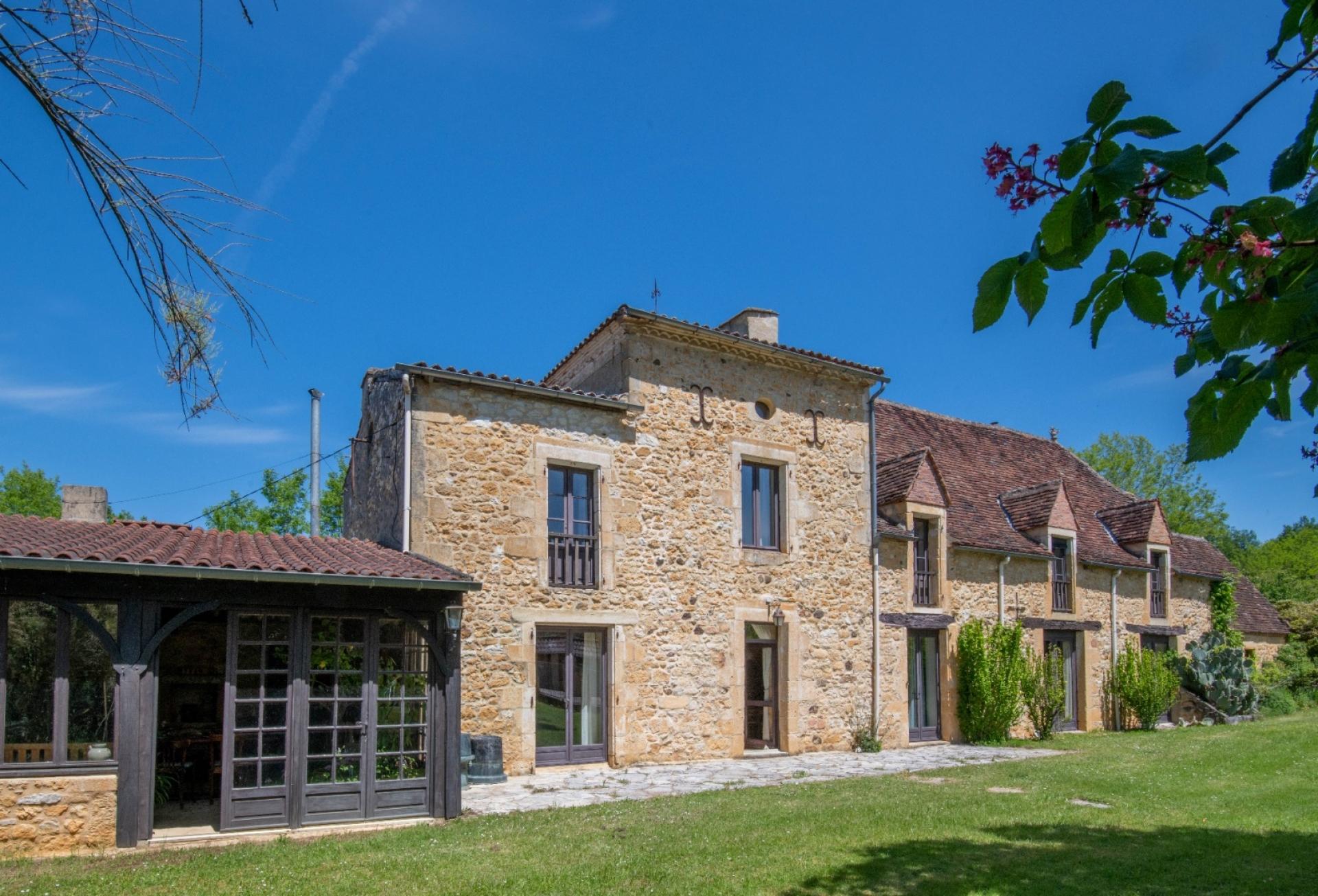 Gourdon, Ancienne maison bourgeoise sur 1ha,