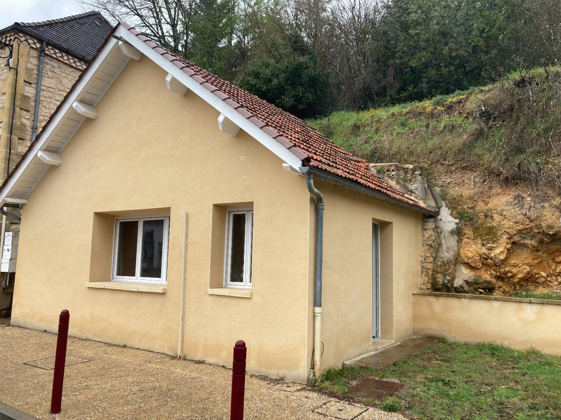 Maison avec jardinet