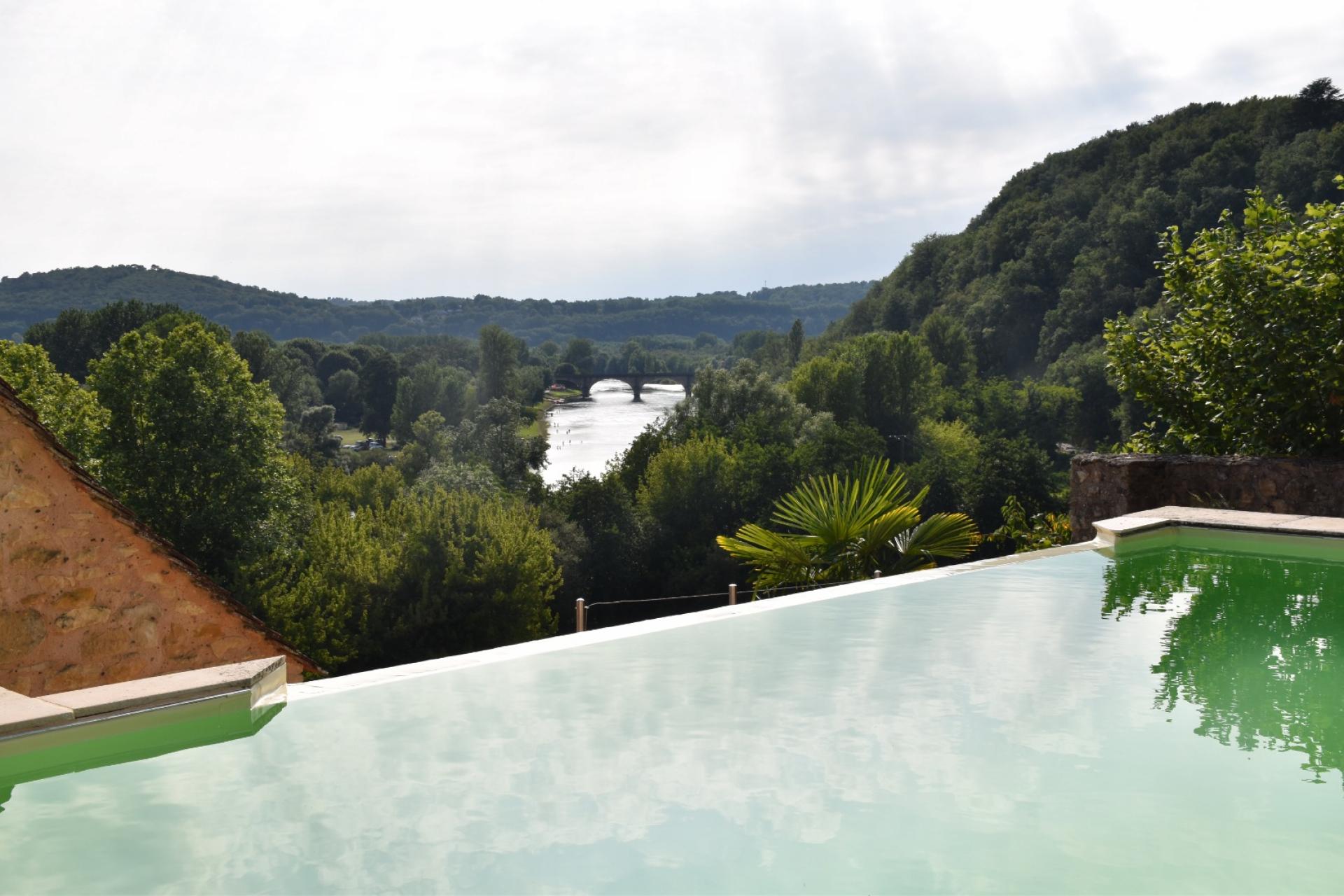 Maison de charme avec piscine et vue imprenable !